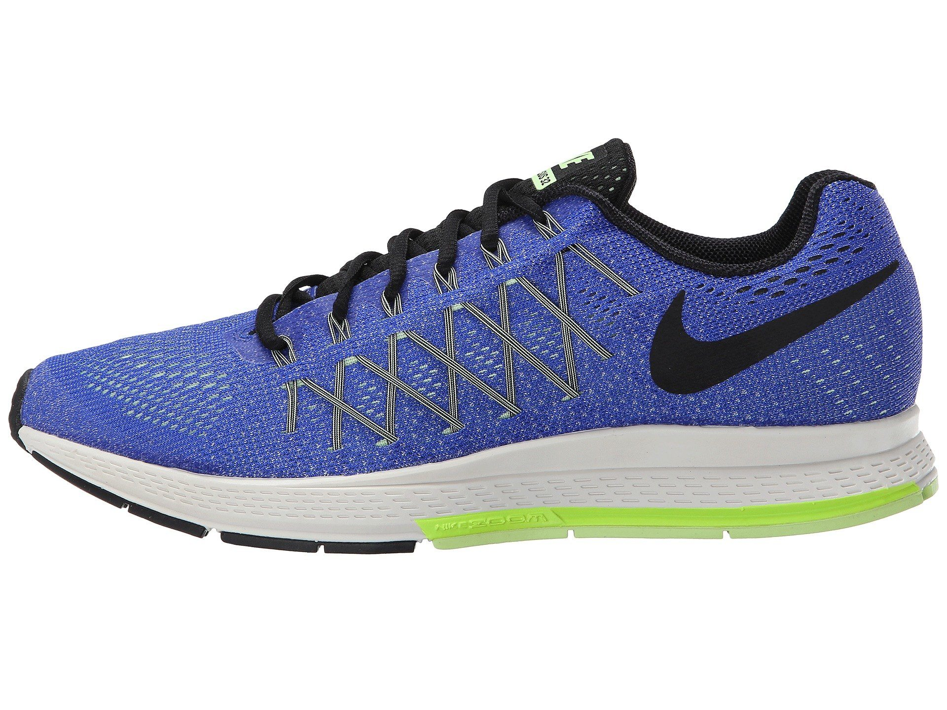 What Should You Wear While Traveling In Japan - Comfortable Walking Shoes - Nike Mens Air Zoom Pegasus